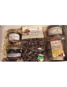 COFFRET CADEAU GOURMAND Produits présentés dans de la paille de bois naturelle